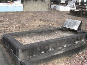 Stephensen, - Leslie Martin, Eileen Gladys (nee Hogan) and their daughter Janice Lesley. (whole grave image)